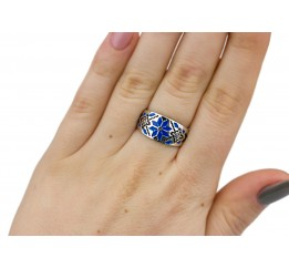 Кольцо серебряное с эмалью Вышиванка синее (0225.20кс)