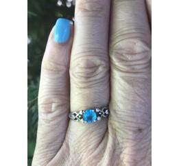 Кольцо серебряное с голубым кварцем Паутинка (1907/9р QSWB)