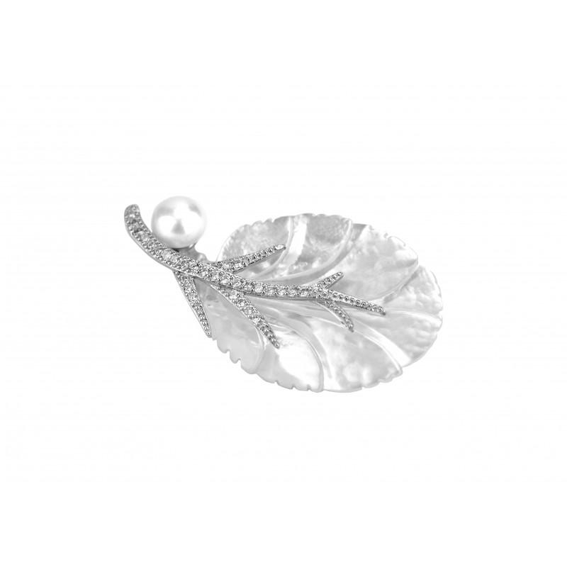 Брошь серебряная с перламутром (7138)