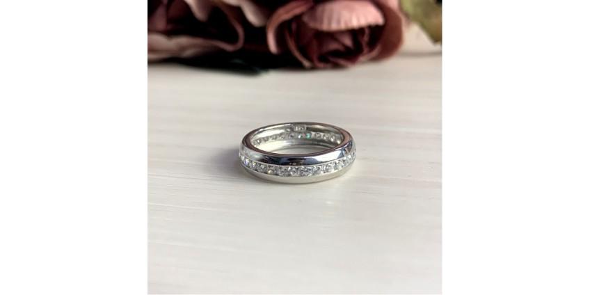 Серебряное кольцо: цена и роскошь, доступные каждому