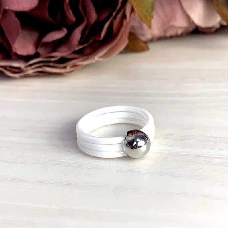 Серебряное кольцо SilverBreeze с керамикой (1577165) 17 размер