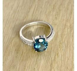 Серебряное кольцо SilverBreeze с натуральным топазом Лондон Блю (1917206) 17 размер