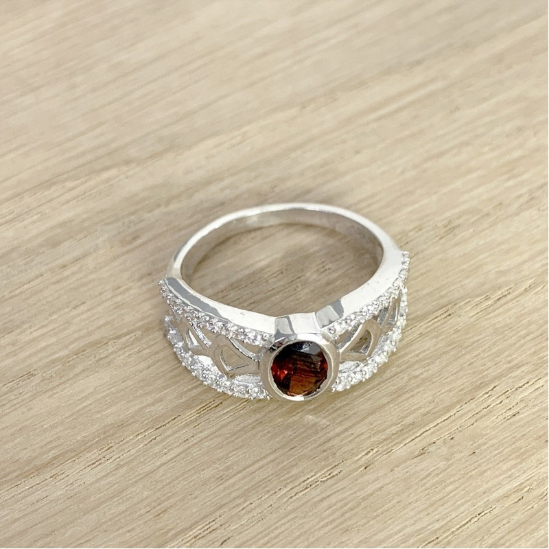 Серебряное кольцо SilverBreeze с натуральным гранатом (1940716) 17 размер