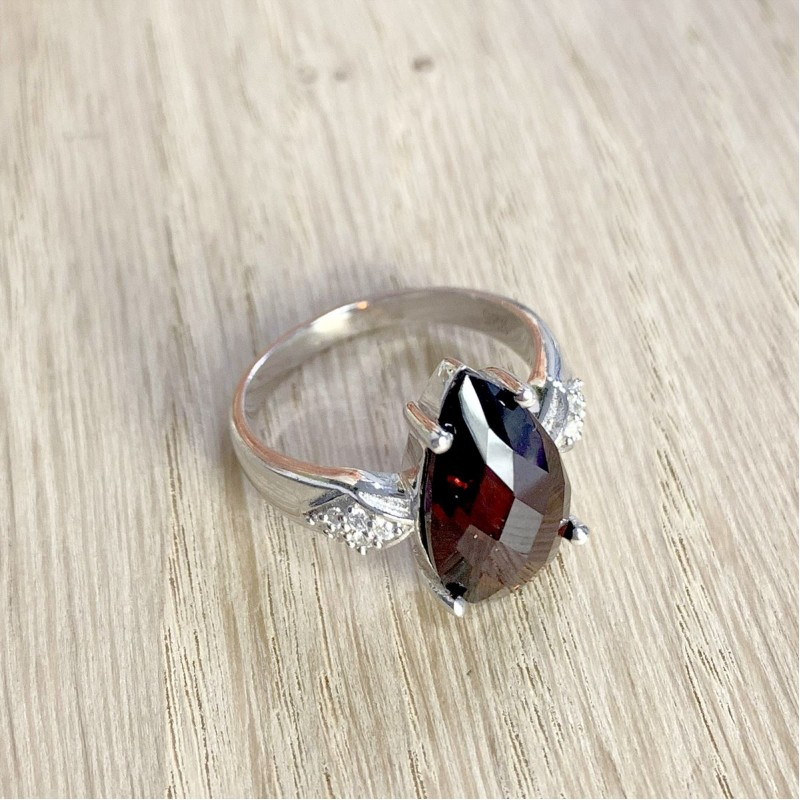 Серебряное кольцо SilverBreeze с натуральным гранатом (1531785) 18.5 размер