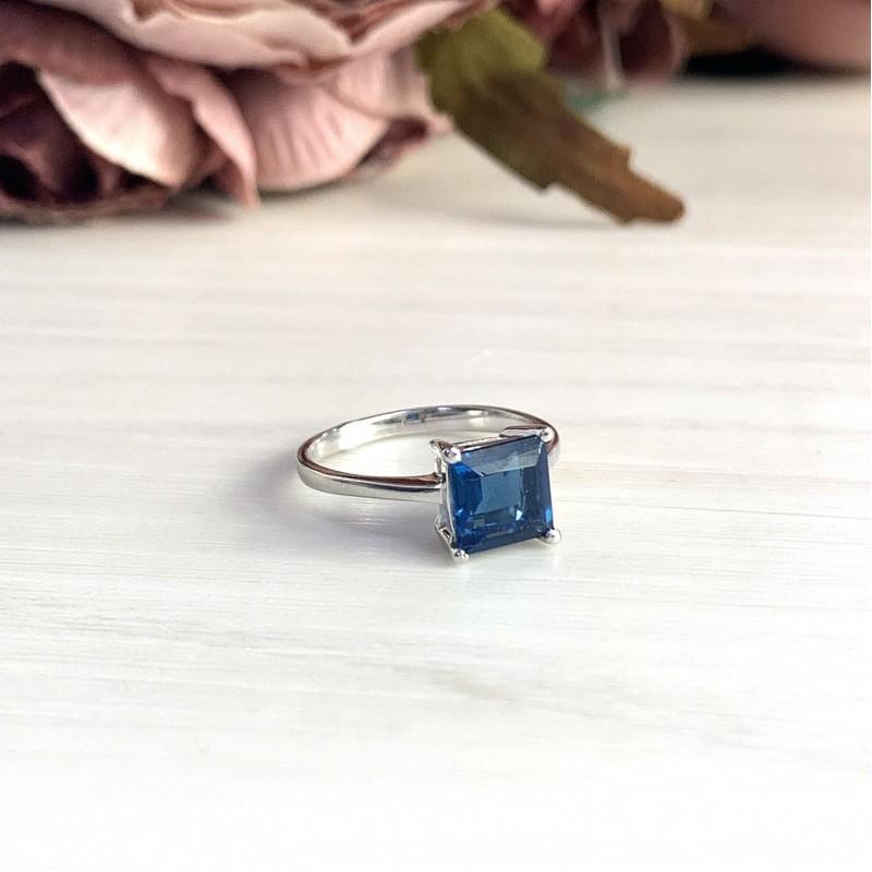 Серебряное кольцо SilverBreeze с натуральным топазом Лондон Блю (2019893) 18 размер