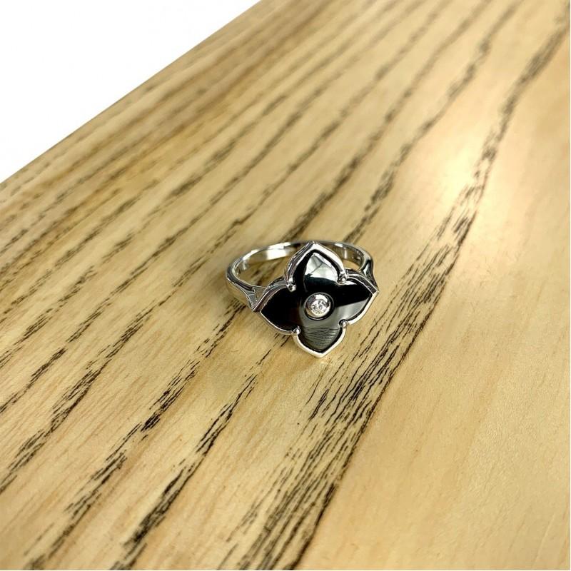 Серебряное кольцо SilverBreeze с керамикой (1982341) 16 размер