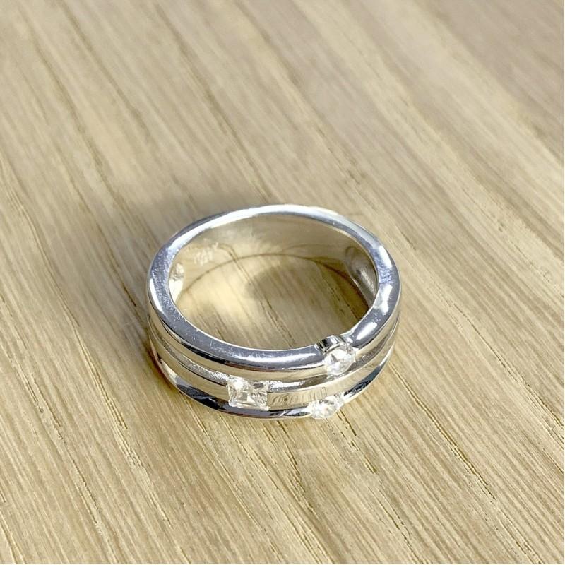 Серебряное кольцо SilverBreeze с фианитами (1941164) 16 размер
