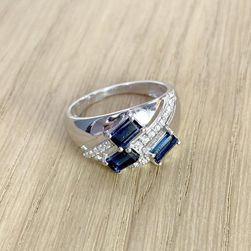 Серебряное кольцо SilverBreeze с сапфиром nano (1986318) 17.5 размер