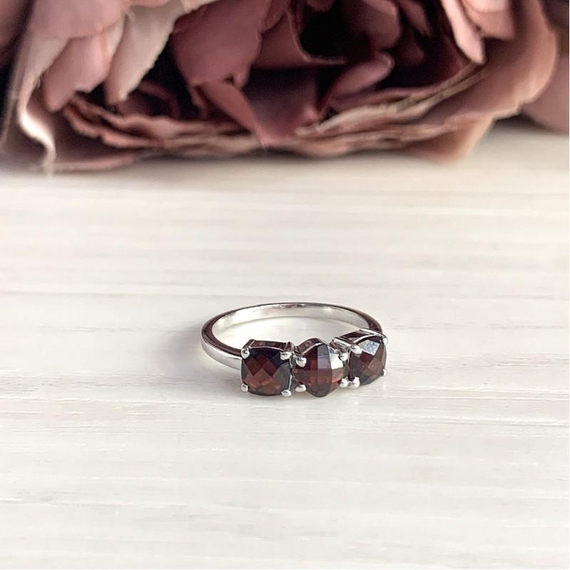Серебряное кольцо SilverBreeze с натуральным гранатом (1987582) 18 размер