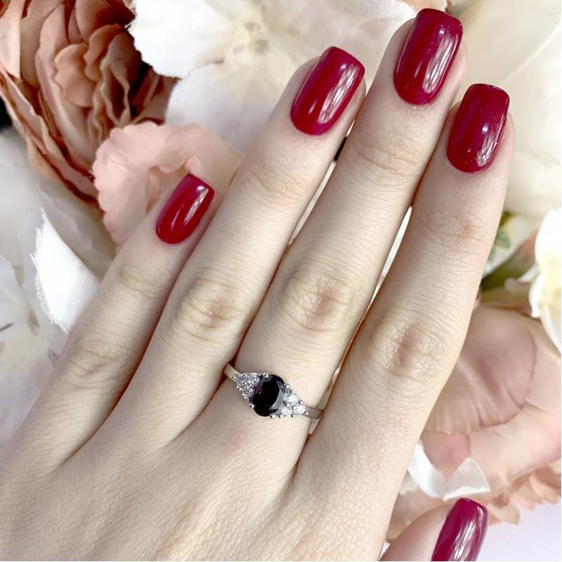 Серебряное кольцо SilverBreeze с натуральным гранатом (1937419) 17.5 размер
