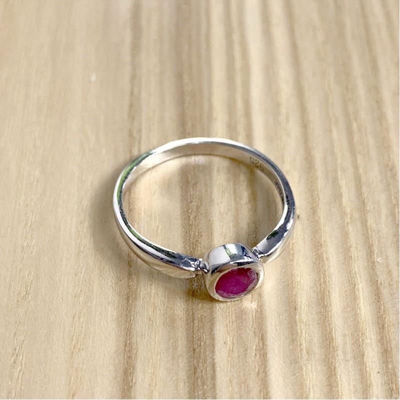 Серебряное кольцо SilverBreeze с натуральным рубином (1763094) 17 размер
