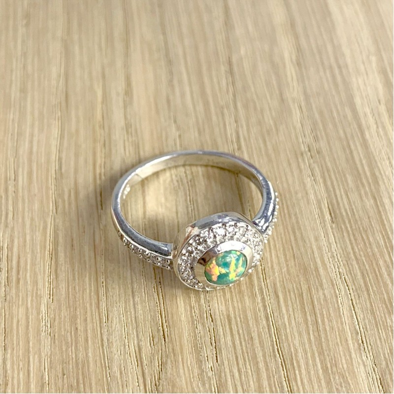 Серебряное кольцо SilverBreeze с опалом (1839300) 17 размер