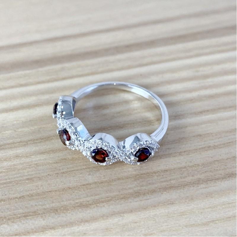 Серебряное кольцо SilverBreeze с натуральным гранатом (1987940) 17.5 размер