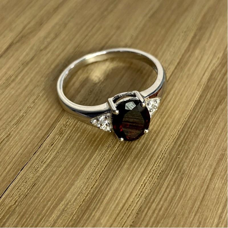 Серебряное кольцо SilverBreeze с натуральным гранатом (1995778) 18 размер
