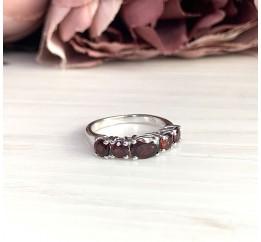 Серебряное кольцо SilverBreeze с натуральным гранатом (1837719) 18 размер