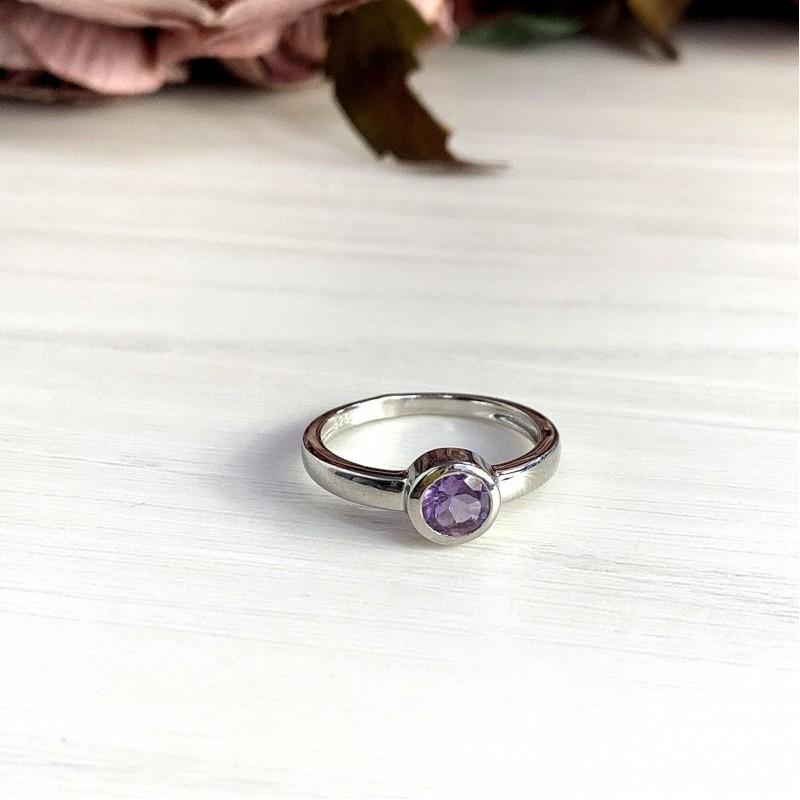 Серебряное кольцо SilverBreeze с натуральным аметистом (2020790) 17.5 размер