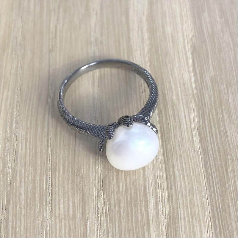 Серебряное кольцо SilverBreeze с натуральным жемчугом (1957059) 17 размер