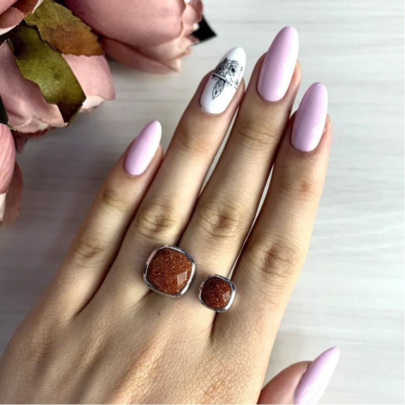 Серебряное кольцо SilverBreeze с натуральным авантюрином (1912454) 18 размер