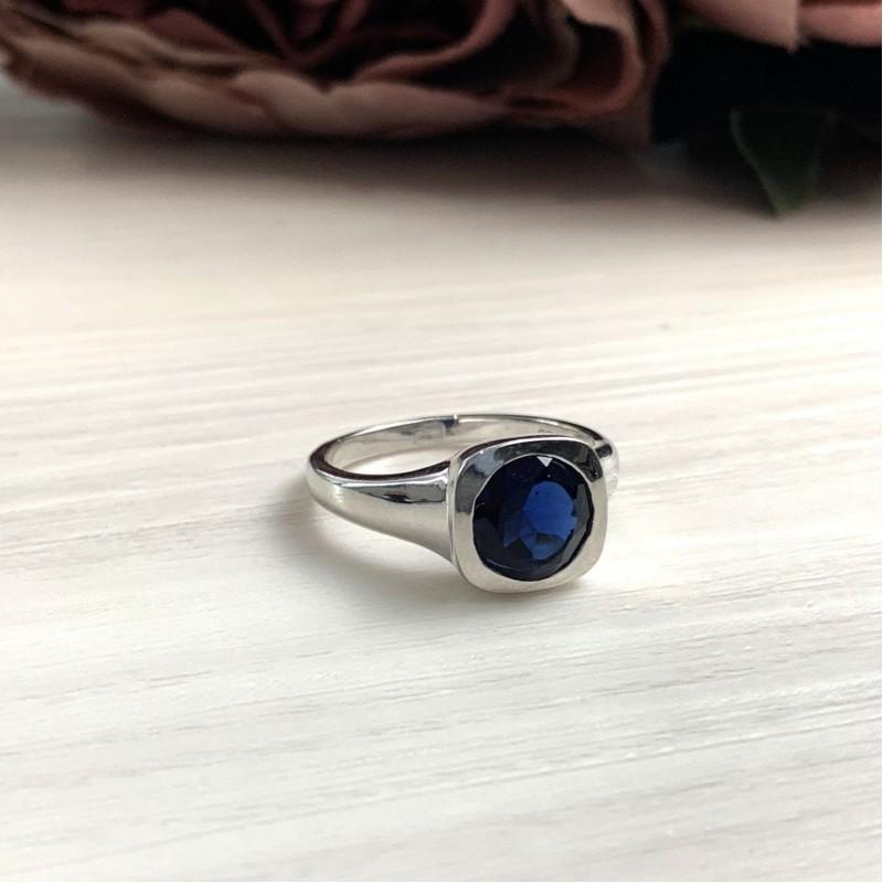 Серебряное кольцо SilverBreeze с сапфиром nano (2033080) 18 размер