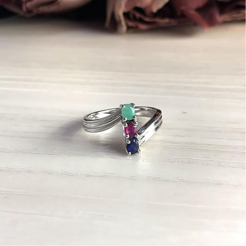 Серебряное кольцо SilverBreeze с натуральным изумрудом, рубином, изумрудом (2031819) 18.5 размер