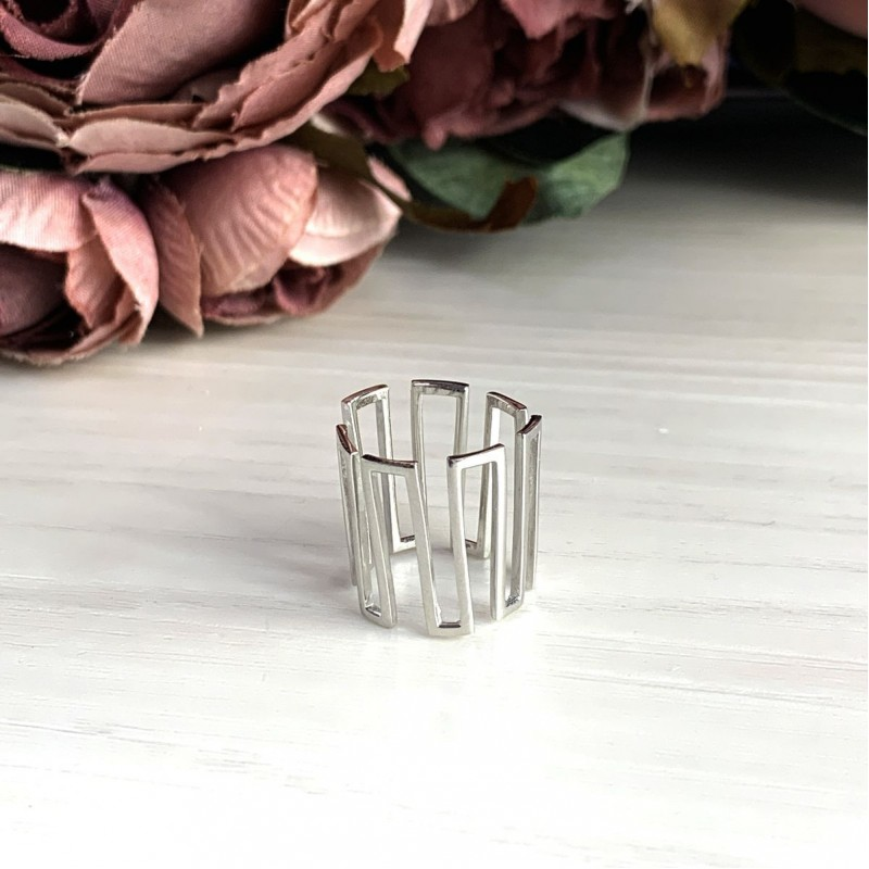 Серебряное кольцо SilverBreeze без камней (2030140) 15 размер