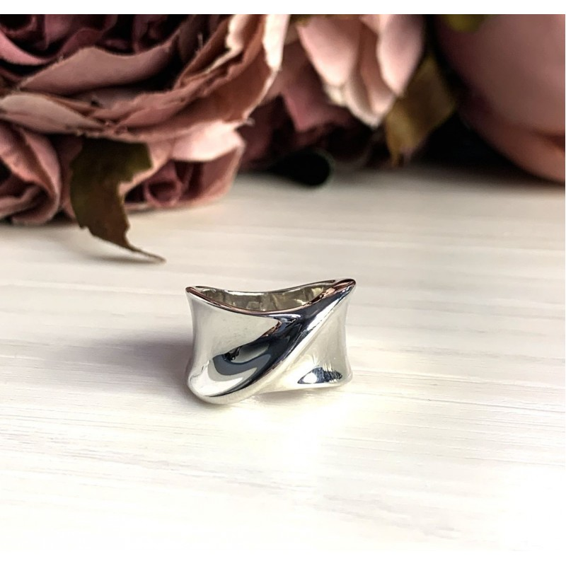 Серебряное кольцо SilverBreeze без камней (2022329) 18 размер