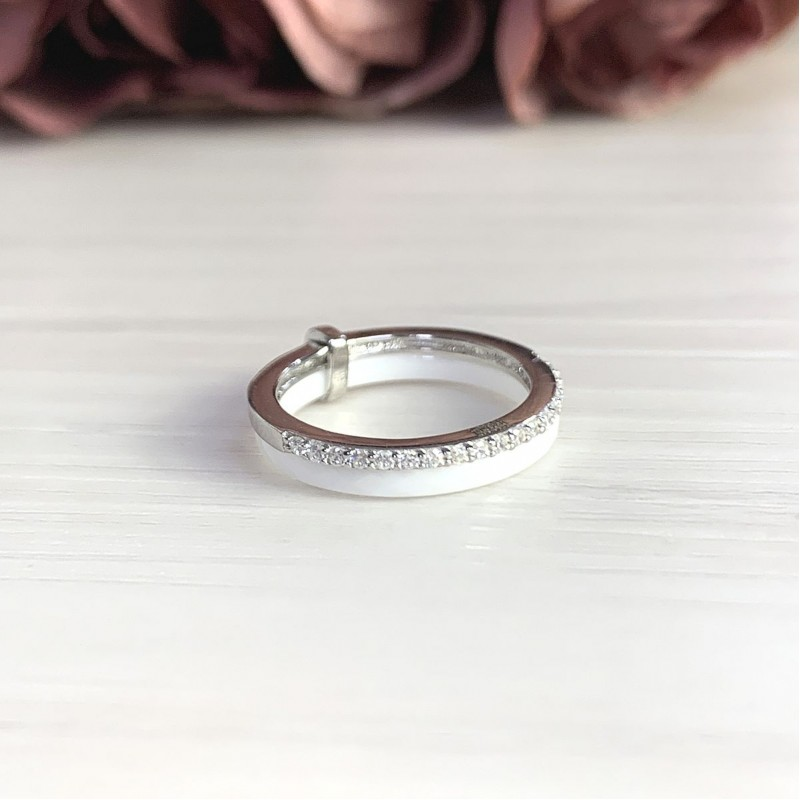 Серебряное кольцо SilverBreeze с керамикой (1213667) 18 размер