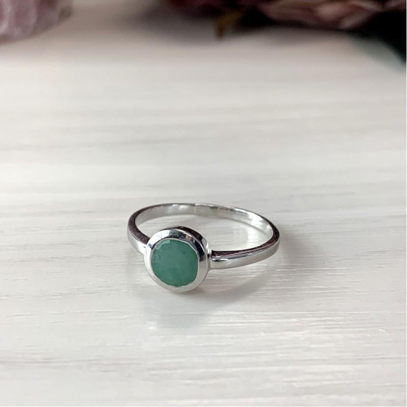 Серебряное кольцо SilverBreeze с натуральным изумрудом (1516904) 17 размер