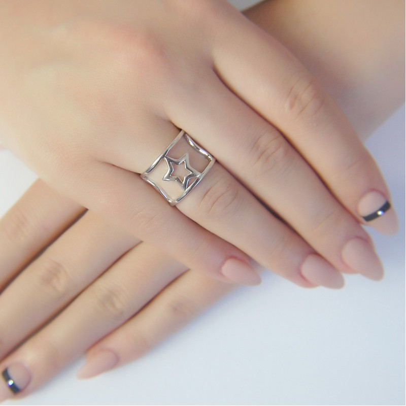 Серебряное кольцо SilverBreeze без камней (1941096) 16 размер