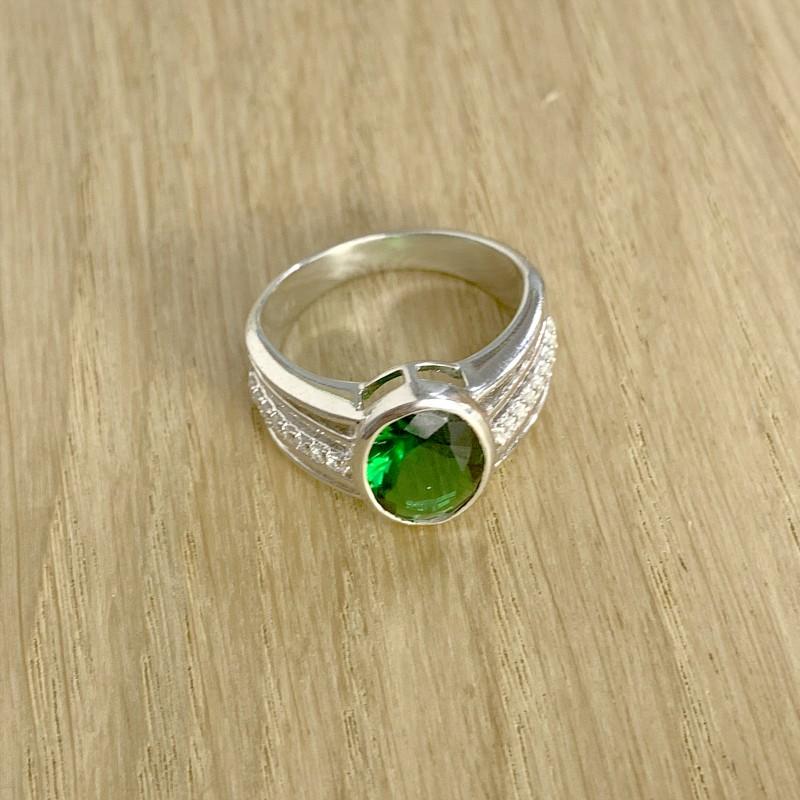 Серебряное кольцо SilverBreeze с изумрудом nano (1946756) 18 размер