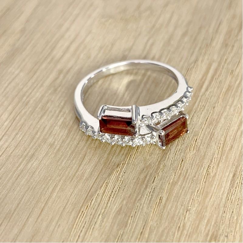 Серебряное кольцо SilverBreeze с натуральным гранатом (1972540) 17.5 размер