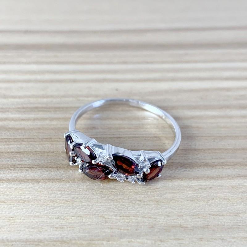Серебряное кольцо SilverBreeze с натуральным гранатом (1987902) 18.5 размер