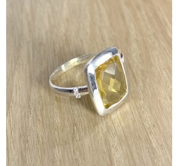 Серебряное кольцо SilverBreeze с цитрином nano (1990155) 18 размер