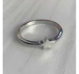 Серебряное кольцо SilverBreeze без камней (2002116) 15.5 размер