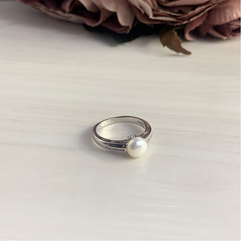 Серебряное кольцо SilverBreeze с натуральным жемчугом (2006381) 16.5 размер