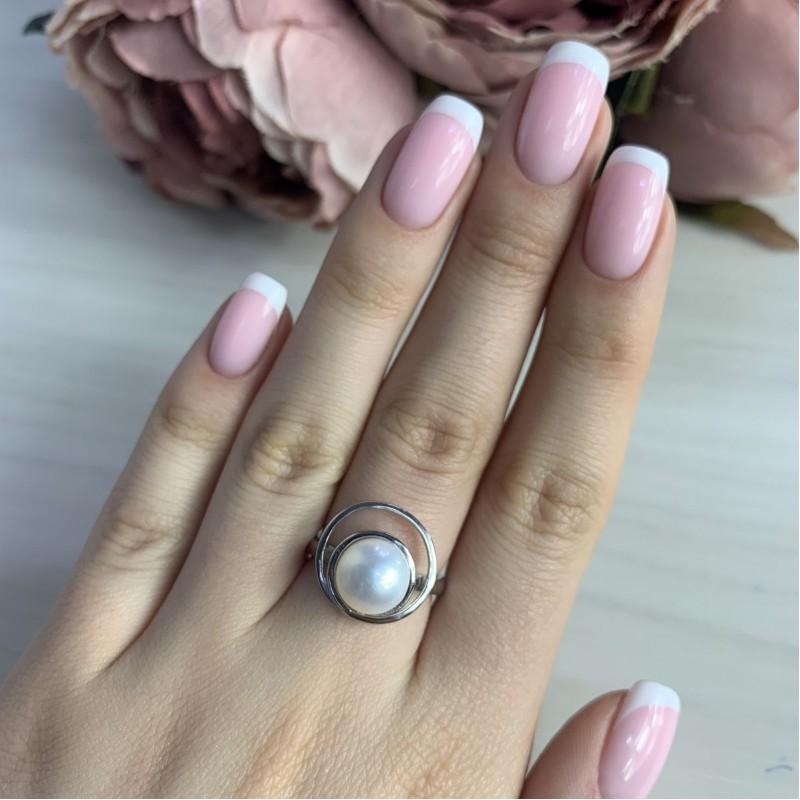 Серебряное кольцо SilverBreeze с натуральным жемчугом (2006459) 17 размер