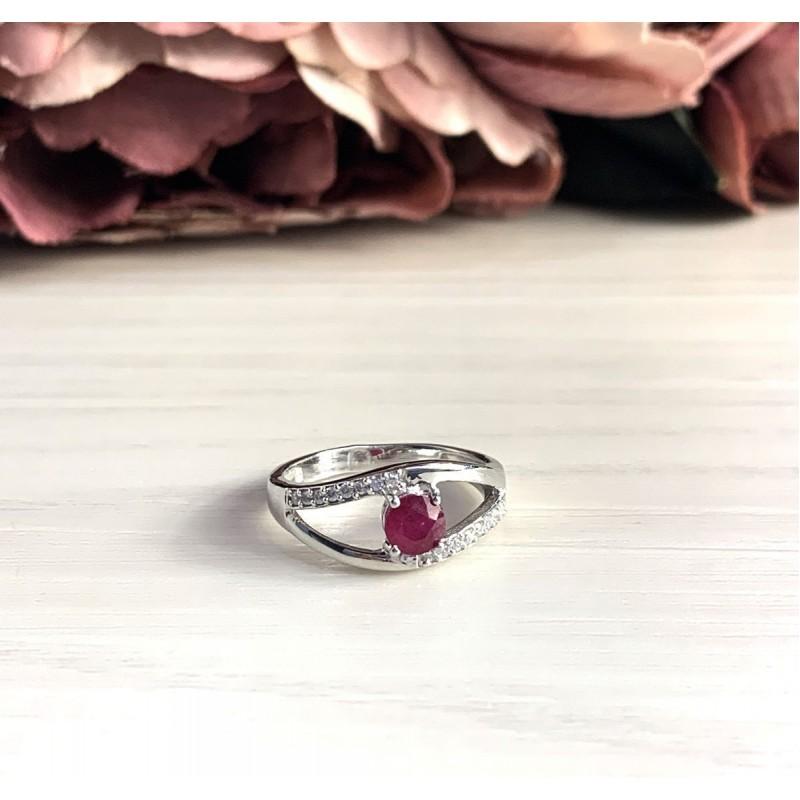 Серебряное кольцо SilverBreeze с натуральным рубином (2027102) 18 размер