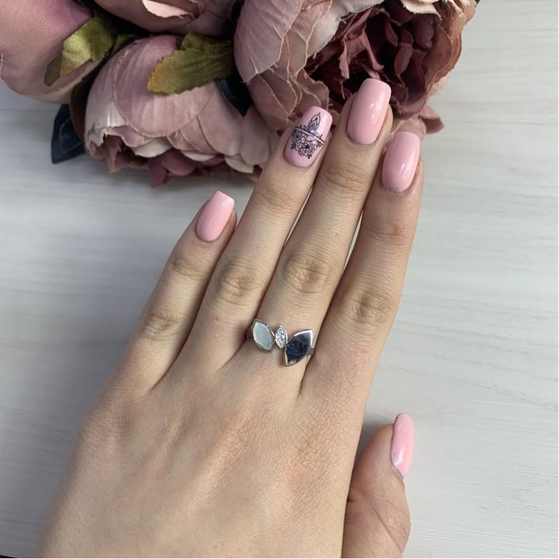 Серебряное кольцо SilverBreeze с натуральным перламутром (2037965) 17 размер