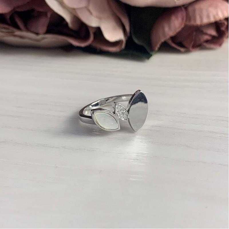 Серебряное кольцо SilverBreeze с натуральным перламутром (2037965) 18 размер