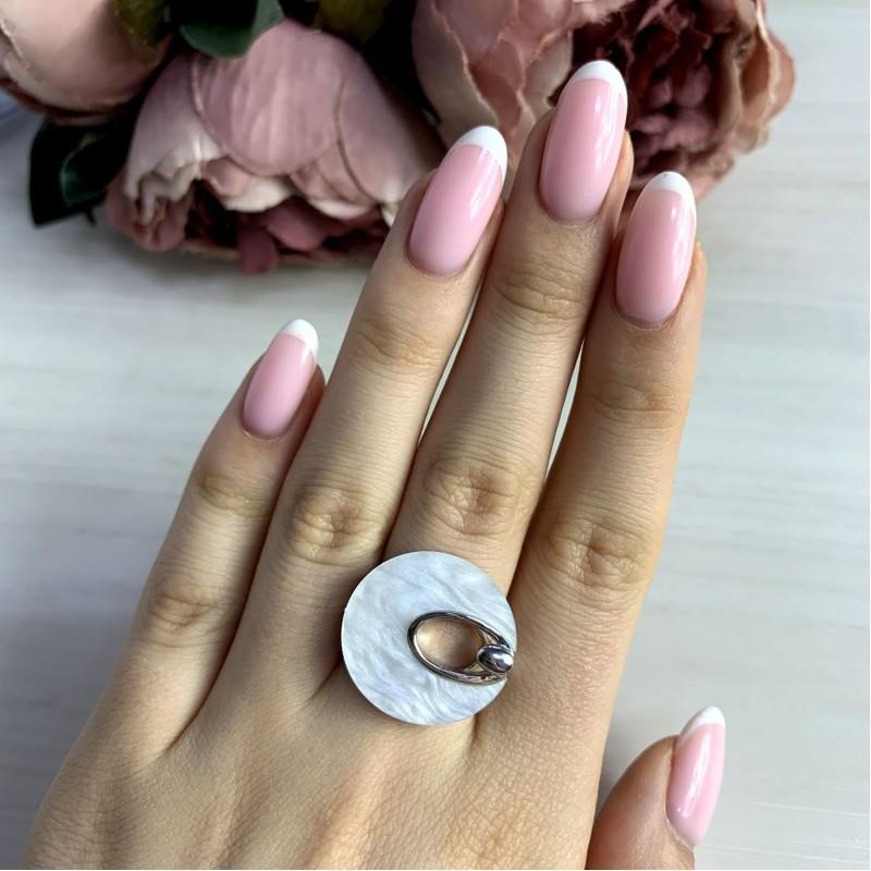 Серебряное кольцо SilverBreeze с натуральным перламутром (2038818) 17.5 размер