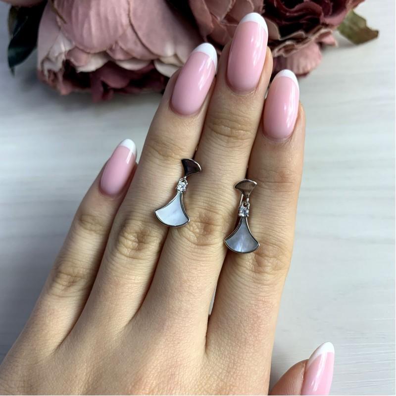 Серебряные серьги SilverBreeze с натуральным перламутром (2038023)