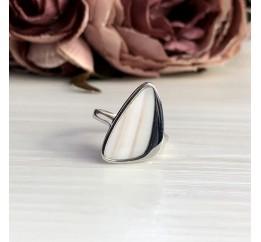 Серебряное кольцо SilverBreeze с натуральным перламутром (2005445) 17 размер