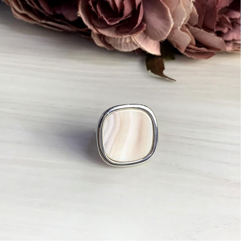 Серебряное кольцо SilverBreeze с натуральным перламутром (2041696) 18.5 размер