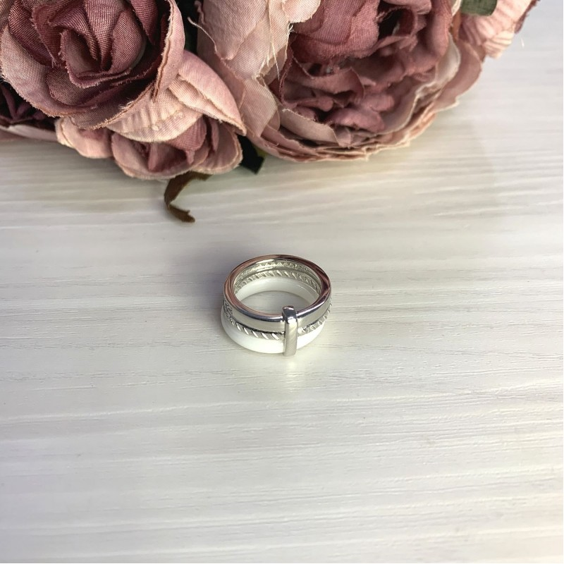 Серебряное кольцо SilverBreeze с керамикой (2070016) 16 размер