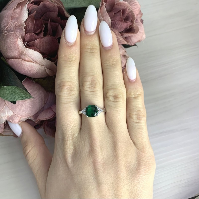 Серебряное кольцо SilverBreeze с изумрудом nano 1.883ct (2067030) 18 размер