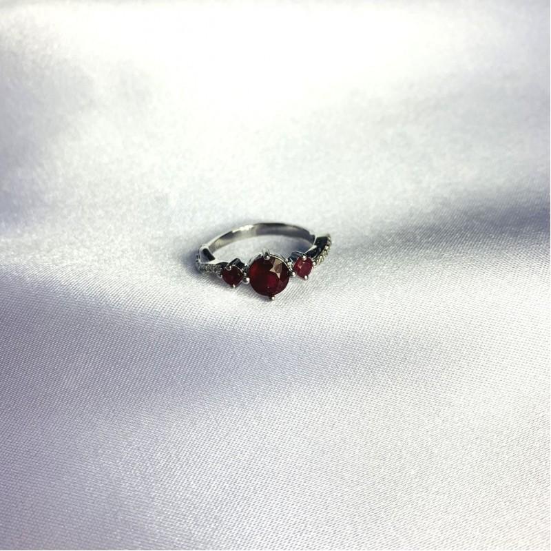Серебряное кольцо SilverBreeze с натуральным рубином 1.97ct (2057864) 18 размер