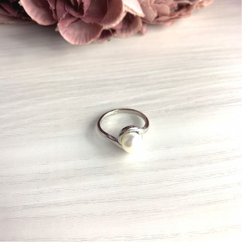 Серебряное кольцо SilverBreeze с натуральным жемчугом (2055396) 18 размер