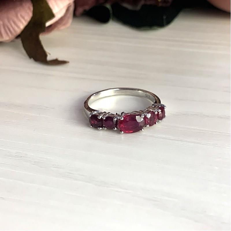 Серебряное кольцо SilverBreeze с натуральным рубином 2.55ct (2021421) 18 размер