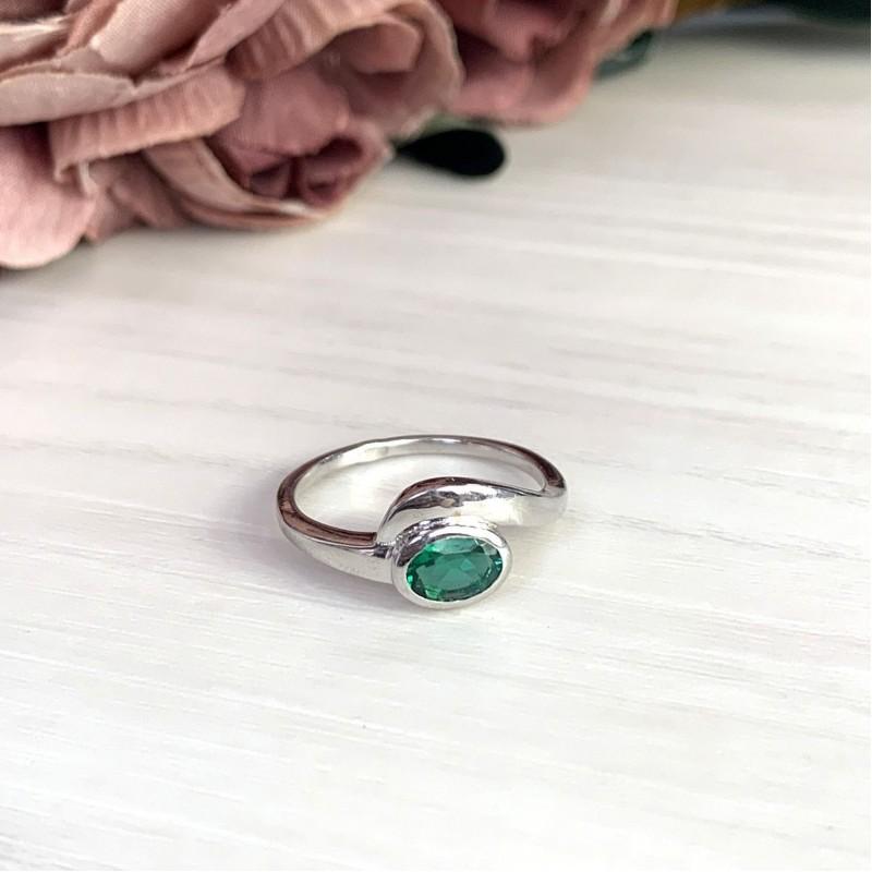 Серебряное кольцо SilverBreeze с изумрудом nano (2012771) 17 размер