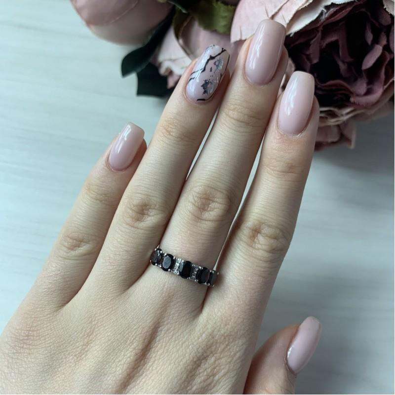 Серебряное кольцо SilverBreeze с натуральным гранатом (2005872) 18 размер